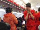 Китаянка ошпарила стюардессу кипятком за отказ посадить ее вместе с любимым - ФОТО - ВИДЕО: Видеоновости