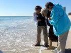 Реакция 100-летней женщины, впервые увидевшей океан - ФОТО - ВИДЕО: Фоторепортажи