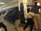 Учительница чуть не убила студентку за брошенный в нее стул - ФОТО - ВИДЕО: Фоторепортажи