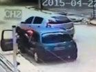 Защитил жену от грабителей - ВИДЕО : Видеоновости