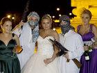 Сумасшедшие свадебные традиции разных стран мира - ФОТОСЕССИЯ: Фоторепортажи