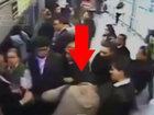 Приставал к девушкам в метро и получил по заслугам - ВИДЕО: Видеоновости
