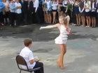 Зажигательный танец приковал внимание всех - ВИДЕО: Видеоновости