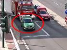 Интернет обсуждает этого тупого водителя - ВИДЕО: Видеоновости