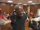 Реакция отца на убийцу сына в зале суда - ВИДЕО: Видеоновости