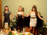 Русские девушки устроили развратные танцы на вечеринке друга - ФОТО - ВИДЕО: Это интересно