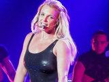 Бритни Спирс опозорилась во время своего концерта - ФОТО - ВИДЕО: Это интересно