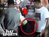 Боксер оскорбил девушку соперника и получил по заслугам - ВИДЕО: Это интересно