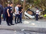 В Баку водитель рискнул собой, чтобы не сбить ребенка - ФОТО  : Общество