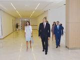 Президент Ильхам Алиев и его супруга Мехрибан Алиева приняли участие в открытии Музея ковра и нового здания школы №23 в Баку - ОБНОВЛЕНО - ФОТО: Политика