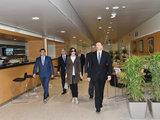 Президент Ильхам Алиев и его супруга Мехрибан Алиева приняли участие в открытии Дворца водных видов спорта и ознакомились с Дворцом спорта после капремонта в Баку - ФОТО - ВИДЕО: Политика