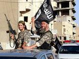 Боевики ИГ казнили 100 воевавших за них иностранцев: В мире