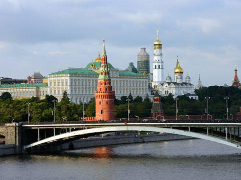 Кремль призвал кандидатов в президенты США не жертвовать отношениями с Россией