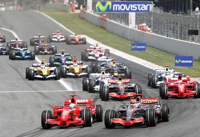 """Гонщик """"Формулы-1"""" попал в аварию на автодроме в Сочи <span class=""""color_red""""> - ВИДЕО</span>"""