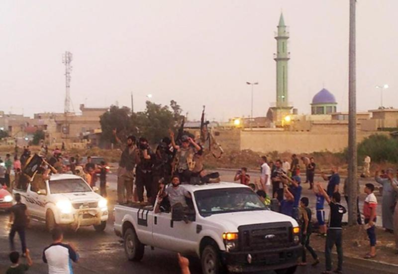 Боевики ИГ казнили почти 300 человек в районе Мосула