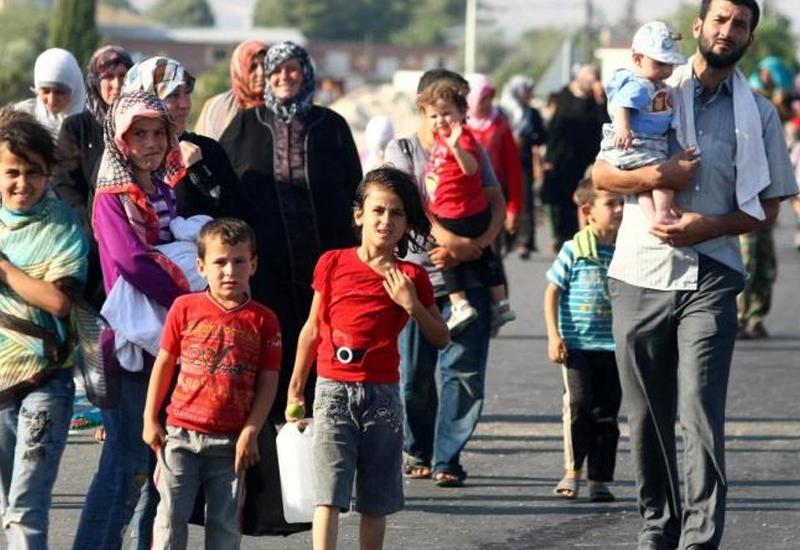 Сотни мигрантов прорвались из Марокко в Испанию