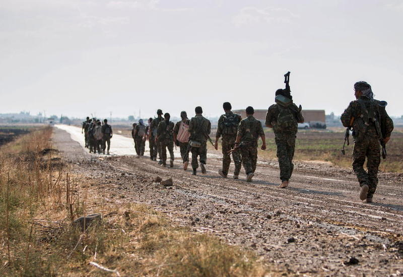 На юге Сирии 700 боевиков добровольно сдались властям
