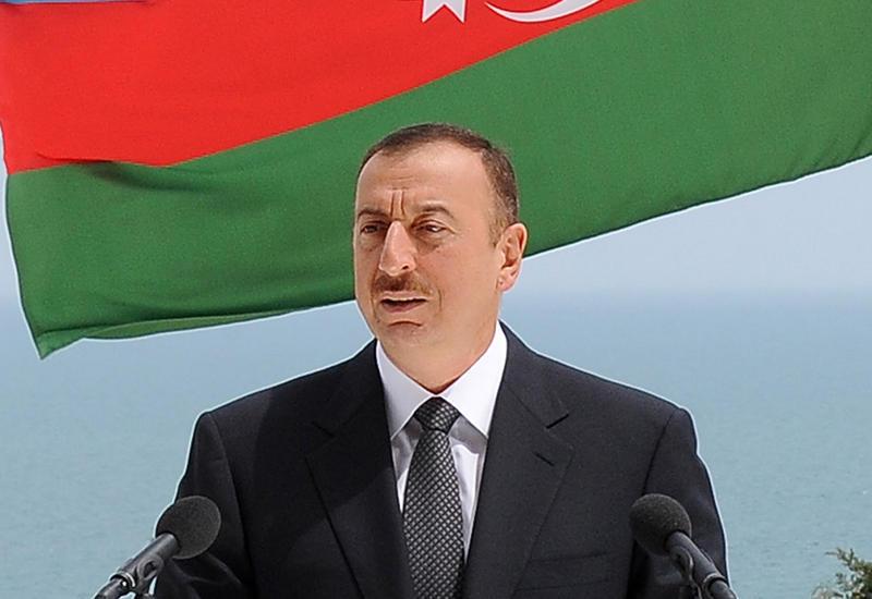Президент Ильхам Алиев ознакомился с условиями, созданными в построенном для военнослужащих здании в Баку