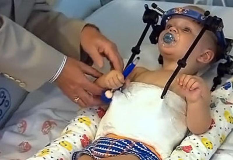 Во время ДТП мальчику почти оторвало голову, но врачи...