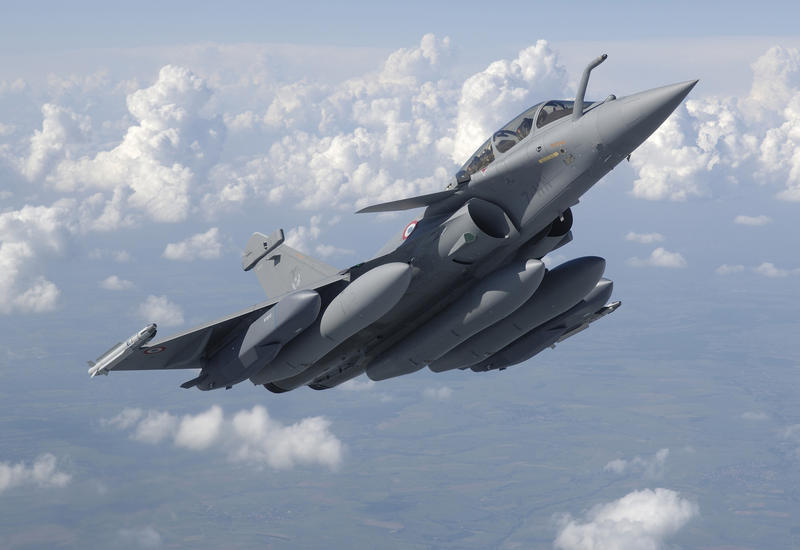 """Теперь и Франция бомбит """"ИГ"""" в Сирии"""