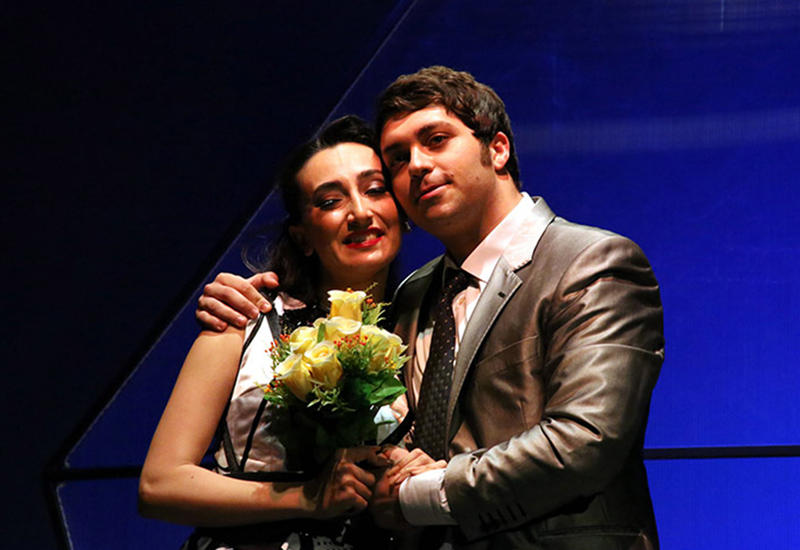 """Азербайджанская актриса разрывается между сценой и дочерью <span class=""""color_red"""">- ФОТО</span>"""