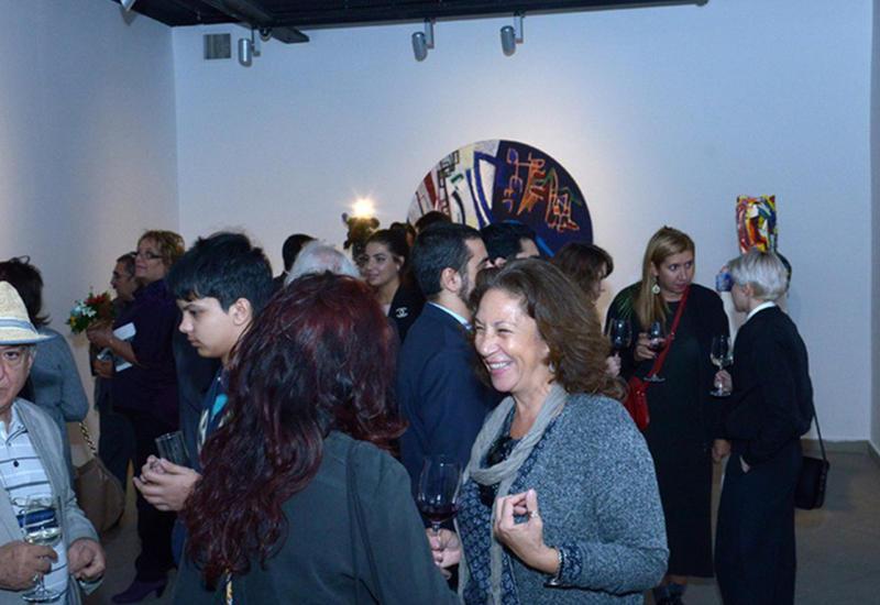 """В YAY Gallery открылась выставка известного художника Гусейна Хагверди """"Преломление"""" <span class=""""color_red"""">- ФОТО</span>"""
