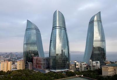 "Репортаж Euronews: Символ нового Баку – башни, которые горят <span class=""color_red"">- ВИДЕО</span>"