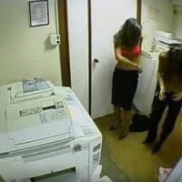 """Чем занимаются некоторые девушки на работе <span class=""""color_red"""">- ВИДЕО </span>"""