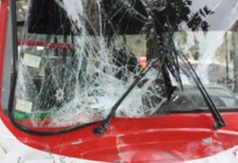 Автобус врезался в стену дома: много раненых