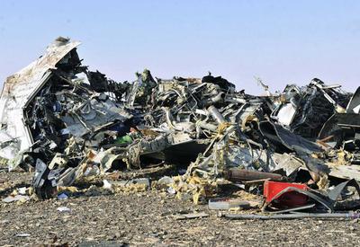 """Первые кадры с места крушения российского Airbus в Египте <span class=""""color_red"""">- ФОТО</span>"""