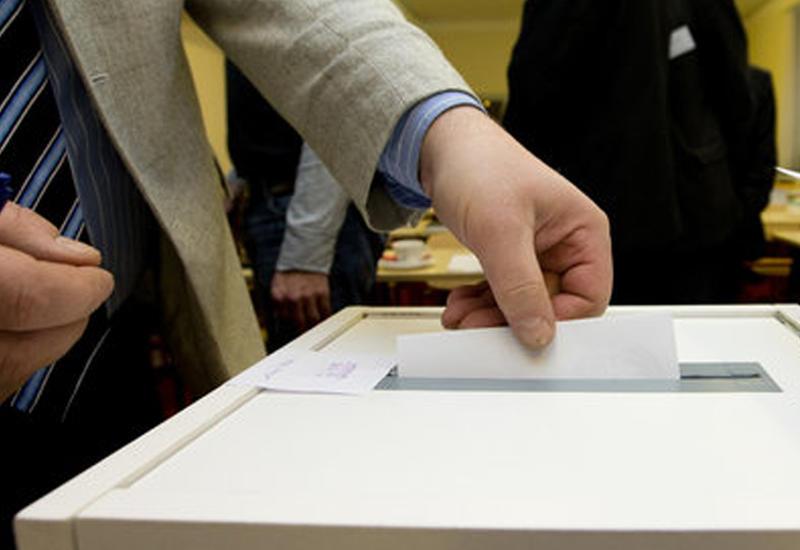 Наблюдается активность на избирательном участке в посольстве Азербайджана в Берне