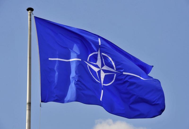 НАТО отправляет в Сирию самолеты-радары