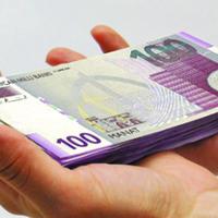 Эльман Рустамов: ЦБА не вмешивается в регулирование курса маната