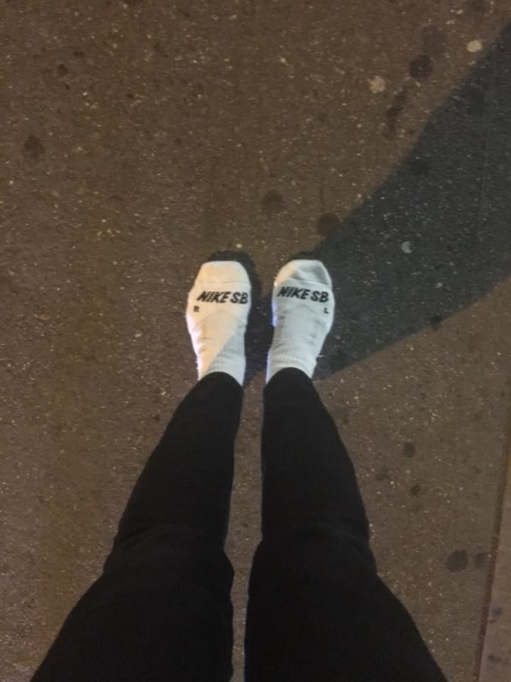 В одних носочках, парни дрочат хуи