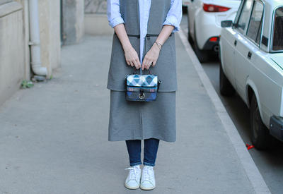 "Модный блоггер Random Choicez: Маленькая сумочка <span class=""color_red"">- ФОТО</span>"