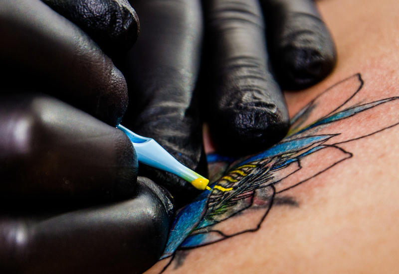 "Американка сделала 11 татуировок за неделю <span class=""color_red"">- ВИДЕО</span>"