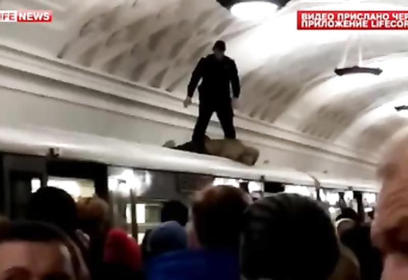 """Страшная смерть в метро <span class=""""color_red"""">- ВИДЕО</span>"""