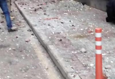 """Посольство Турции в Москве забросали камнями <span class=""""color_red"""">- ВИДЕО</span>"""