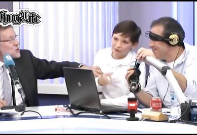 """Испанский премьер дал сыну подзатыльник в прямом эфире <span class=""""color_red"""">- ВИДЕО</span>"""