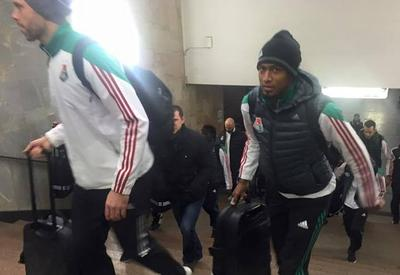 "Футболисты приехали на свой матч на метро <span class=""color_red"">- ВИДЕО</span>"