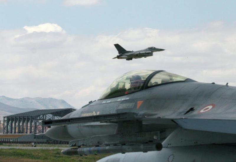 СМИ: Турция прекратила летать над Сирией