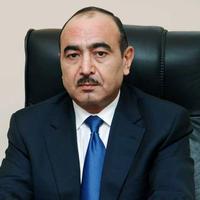 Али Гасанов о курсе маната и просроченных кредитах
