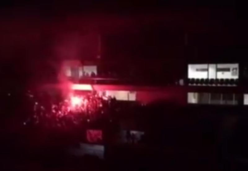"""""""Neftçi"""" - """"Qarabağ"""" oyununda stadionda işıq söndü <span class=""""color_red""""> - VİDEO</span>"""