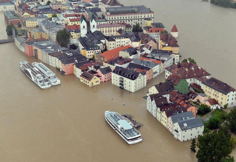 Великобритания заявила об угрозе наводнений из-за шторма