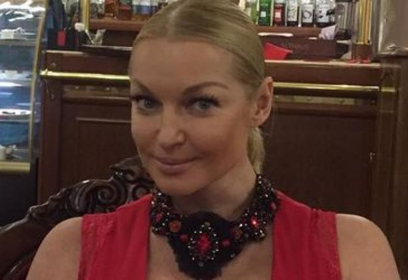 "Волочкова ""сделала"" грудь как у Анны Семенович <span class=""color_red"">- ФОТО</span>"
