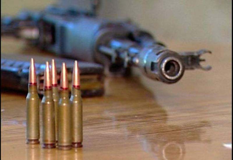 Paytaxt sakininin avtomobilində silah tapılıb
