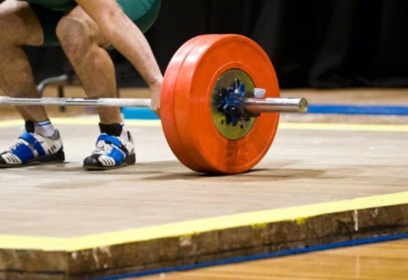 9 тяжелоатлетов Азербайджана будут бороться за олимпийские лицензии