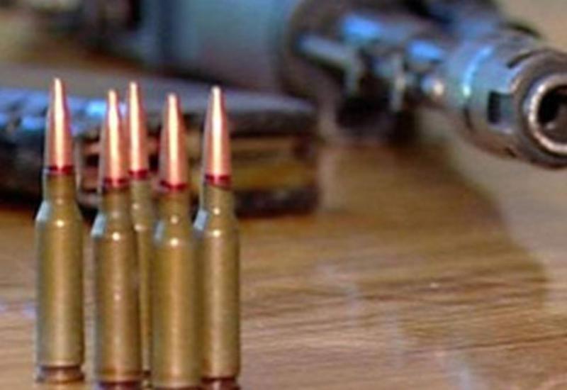 Nardaran sakini atasının silahını polisə verdi