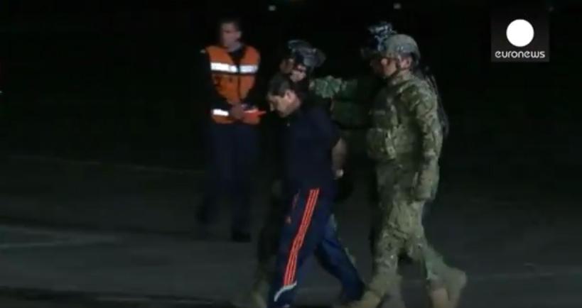 Наркобарона Коротышку доставили втюрьму нароссийском вертолете