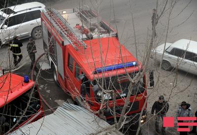 """В Баку в здании произошел пожар, есть погибший <span class=""""color_red""""> </span>"""